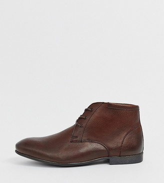 ASOS DESIGN Wide Fit chukka boots in brown leather