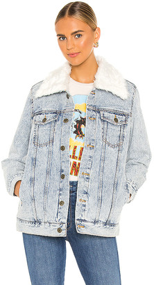 Show Me Your Mumu Durado Faux Fur Collar Denim Jacket. - size L (also