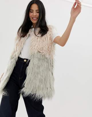 Brave Soul mabine long line gilet in ombre faux fur-Multi