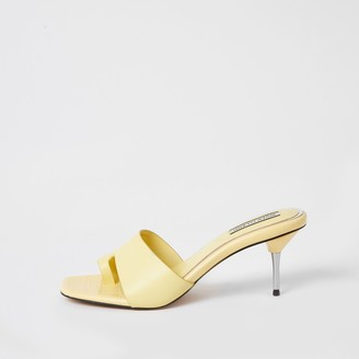 River Island Womens Yellow toe loop heeled mule sandals