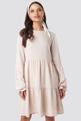 NA-KD Schanna X Basic Loose Fit Dress Pink
