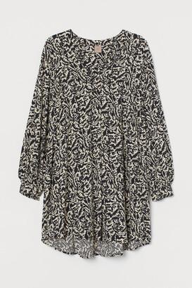 H&M H&M+ V-neck Dress