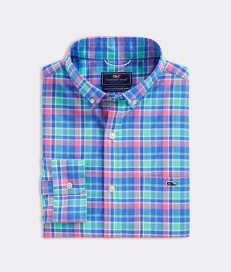 Vineyard Vines Classic Fit Sun Star On-The-Go Performance Tucker Button-Down Shirt
