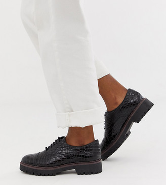 New Look chunky lace up brogue in black