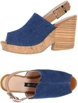 Cuplé Sandals - Item 11200101