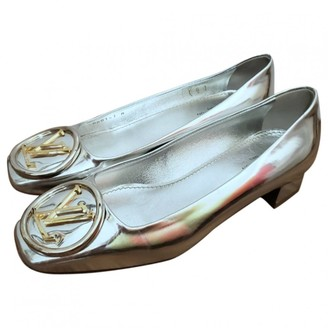 Louis Vuitton Silver Patent leather Heels