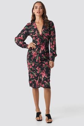 NA-KD Buttoned Front V-Neck Dress Brown