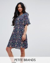 Yumi Petite Printed Dress With Frill Sleeves