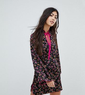 Glamorous Petite Long Sleeve Shift Dress With High Collar In Grunge Floral