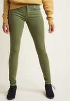 ModCloth Colored Classic Skinny Jeans in Olive in 27 - Skinny Denim Pant