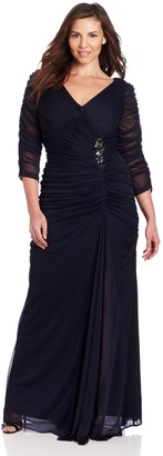 Adrianna Papell Women's Plus-Size Three-Quarter Sleeve Ruched Gown