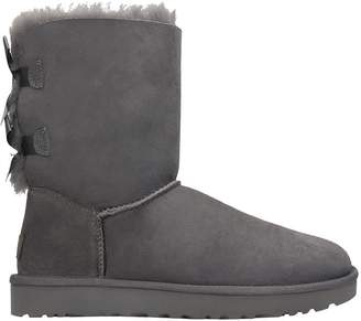 UGG Bailey Bow Ii Low Heels Ankle Boots In Grey Suede