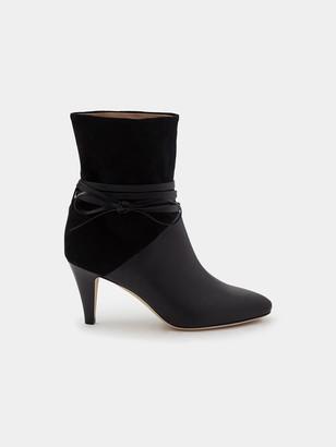 Sclarandis Sonia Tie Boot in Black Size 36.5 Leather