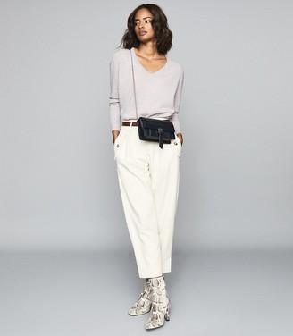 Reiss Luna - Cashmere V-neck Jumper in Grey