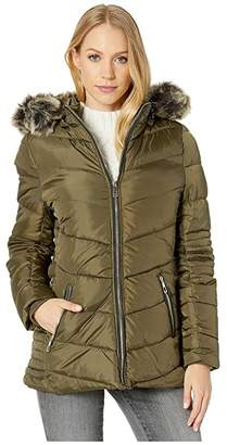 YMI Jeanswear Snobbish Polyfill Puffer Jacket with Faux Fur Trim Hood and Pop Zippers (Black) Women's Clothing
