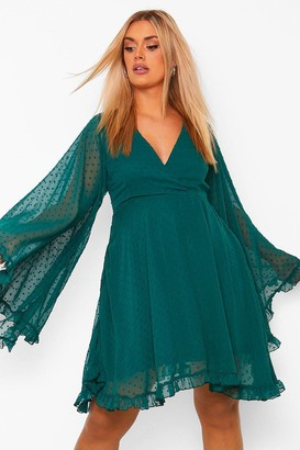 boohoo Plus Dobby Chiffon Wide Sleeve Skater Dress