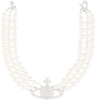 Vivienne Westwood Bas Relief pearl necklace