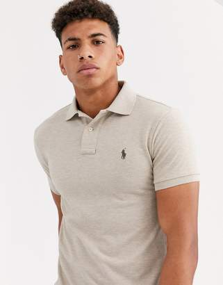 Polo Ralph Lauren player logo pique polo slim fit in beige-Grey