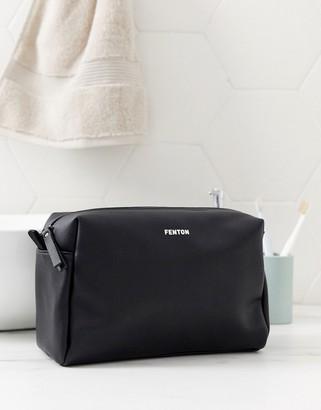 Fenton washbag in black