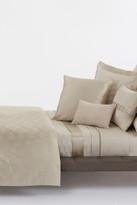 HUGO BOSS Luxe1 Ivory Comforter - King