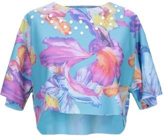 La Fille Des Fleurs T-shirts