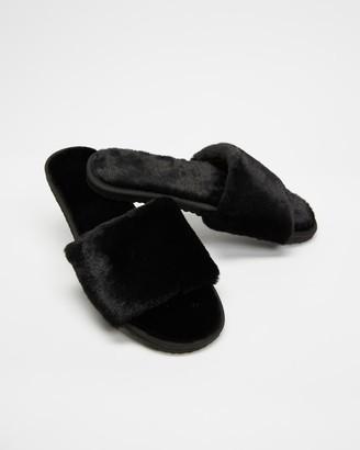 Spurr Plush Slippers