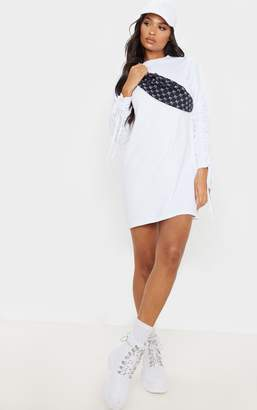 PrettyLittleThing White Ruched Sleeve Detail Long Sleeve Jumper Dress