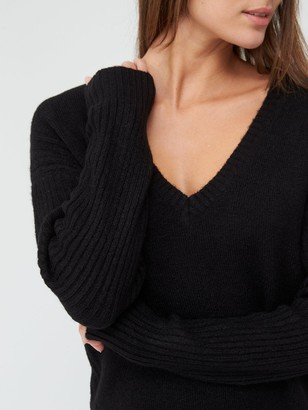 Very V Neck Cable Side Detail LonglineTunic - Black