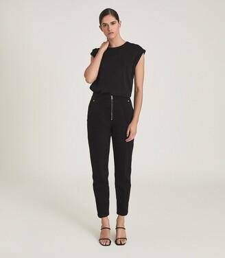 Reiss Zadie - Slim Cut Jeans With Exposed Zip Detail in Black