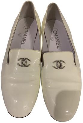 Chanel Ecru Patent leather Flats