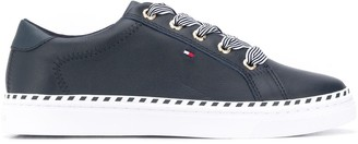 Tommy Hilfiger Striped Laces Low-Top Sneakers