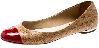 Chanel Beige Cork And Red Patent Leather CC Cap Toe Ballet Flats Size 38