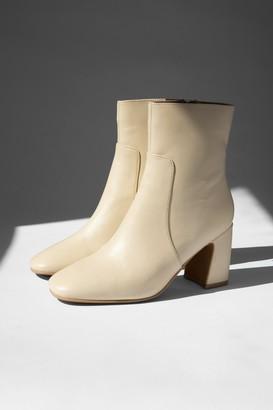 Topshop Womens Mabel Buttermilk Leather Block Boots - Buttermilk