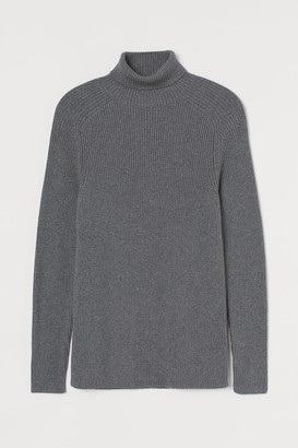 H&M Muscle Fit Turtleneck Sweater