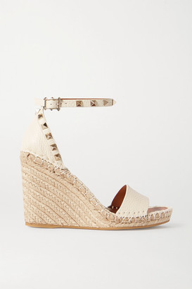 Valentino Garavani Rockstud 105 Textured-leather Espadrille Wedge Sandals - Off-white