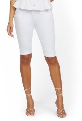 New York & Co. High-Waisted Curvy Boyfriend 13-Inch Jean Short - White