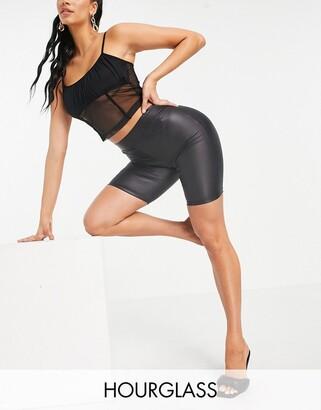 ASOS DESIGN Hourglass leather look legging short in black