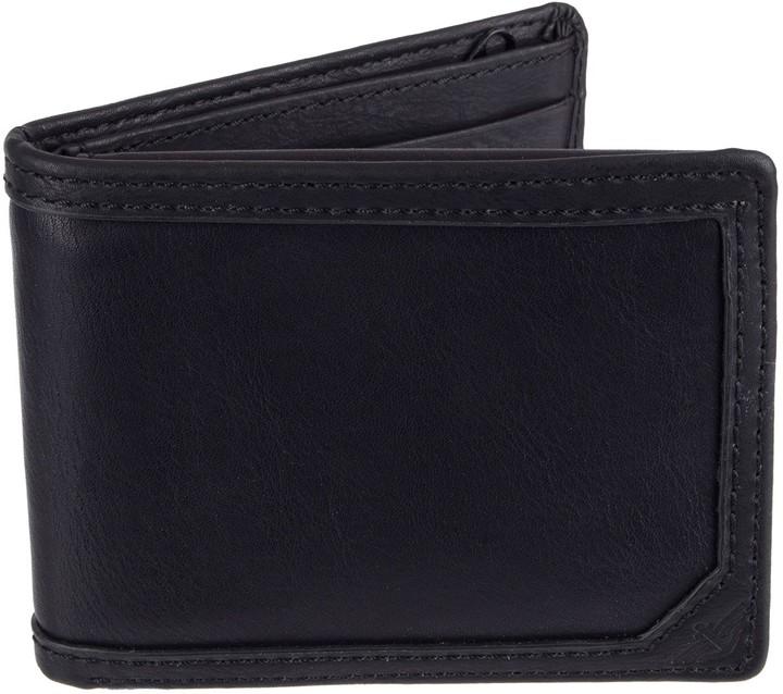 Dockers Men's Passcase Wallet with Zipper Closure