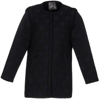 Es'givien Overcoats