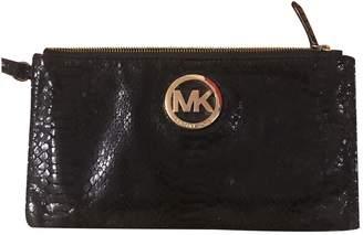 Michael Kors Black Patent leather Clutch bags