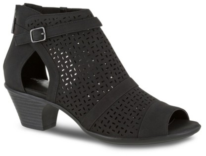 Easy Street Shoes Carrigan Bootie