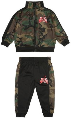 Jordan Baby fleece set