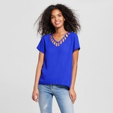 Lily Star Women's Cut Out V-Neck Short Sleeve Top Juniors')