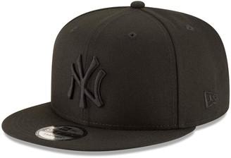 New Era New York Yankees Black on Black 9FIFTY Team Snapback Adjustable Hat - Black
