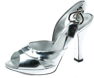 Louis Vuitton Metallic Silver Leather Peep Toe Slingback Sandals Size 37.5