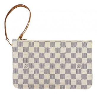 Louis Vuitton Neverfull White Cloth Clutch bags