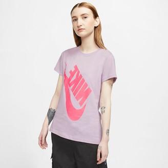 Nike Cotton Boyfriend T-Shirt with Short Sleeves