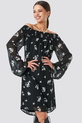 NA-KD Floral Printed Off shoulder Dress