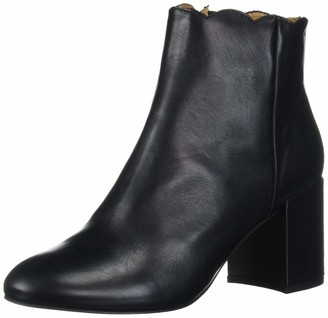 Andre Assous Women's Sylvania Ankle Boot