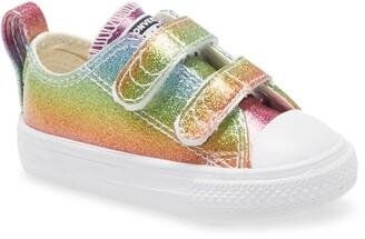 Converse Chuck Taylor(R) All Star(R) 2V Glitter Sneaker